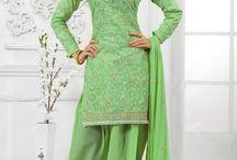 salwar kameez 2017 / Suit salwar est considéré comme l'un des la robe la plus confortable traditionnelle dans le monde de la mode moderne. Contrairement à la sari , salwar le costume est facile à coiffer et porter avec confort, il mener avec elle . Salwar est le nom de la culotte , qui ressemblent à un pantalon de pyjama . Ils sont lâches et ample au niveau des hanches et des cuisses et se rétrécissent vers le bas à une cheville serrée .  http://www.andaazfashion.fr/salwar-kameez