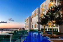 """Edificio Cloc Marina / Te presentamos este nuevo proyecto en Salvador de Bahía, Brasil: """"Edificio Cloc Marina"""" de la Arquitecta Kiki Meirelles, en donde destacamos la aplicación de nuestro producto Folding Screen en su fachada."""