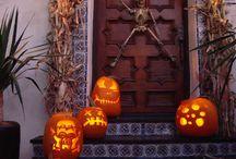 Halloween decor  / Holidays are AWSOME  / by IVETTE Cabanillas