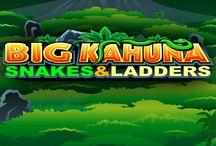 Big Kahuna - Snakes and Ladders / Sarai tu l'eroe che recupererà la maschera d'oro dai poteri magici? Big Kahuna promette fama e fortuna al valoroso guerriero! Questa simpatica video slot a tema ti farà partire all'avventura per provare a conquistare le 200.000 monete in palio, con l'aiuto di giocate gratuite e moltiplicatori.
