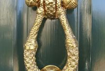 Nautical Door Knockers for the Coastal Home / Nautical and coastal themed brass door knockers for your beach cottage and coastal home! Anchors, sea chest rope becket, mermaid, oyster and clam shells, starfish, whale's tail, shackle, crab, pineapple, lighthouse, dolphin, seahorse, US Coast Guard, US Marine Corp.