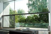 Ściany pokryte szkłem / Malowane szyby na ścianach, nietuzinkowe i nadające niesamowitego efektu w każdym mieszkaniu. Zarówno w kuchni, łazience, jak i salonie.