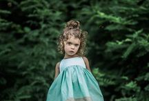 What to wear for your portrait session-for kids / A list of adorable and shoppable outfits for your kids to wear for their portrait photography session.