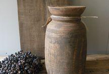 Woonhuys45  Stoer in stijlvol wonen / Een stoere houten kruik bij Woonhuys45
