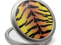 Compact mirror / Compact mirrors