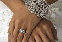 Jewelry - Handmade Jewelry / by ElJiO .