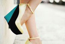 shoes / by Majo Niro
