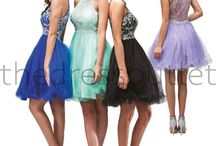 Dresses Short Cocktail / The Dress Outlet short cocktail dresses are versatile dresses that be worn to a variety of events. The Dress Outlet's extensive inventory of short cocktail dresses is sure to pique anyone's interest. Whether you're going to prom, homecoming, or spending the evening with someone special.