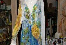 ropa pintada a mano
