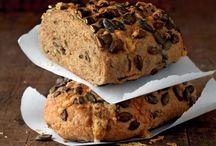 Il vero sapore del buon PANE / Aumentano le tipologie, i condimenti, le forme e anche il prezzo, ma il vero pane, quello tradizionale, magari anche bio, lievitato lentamente e cotto nel forno a legna, è sempre più raro