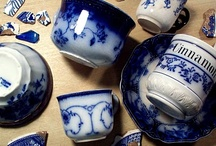 Flow Blue / The beautiful patterns in crazing, chips that add character~ Blue & white... my favorite color combination!