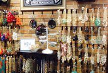 Necklace bar