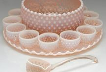 PUNCH BOWLS AND SETS / So I'm obsessed with vintage punch bowl sets... / by Amy Montes