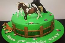 Horses and cowboy/girl cakes