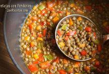 Healthy food / Comida sana / ¡Vale la pena cuidarse en la alimentación! / by Rosa Valls