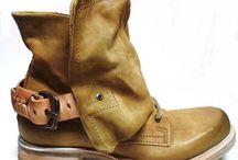 A.S. 98 / http://www.traxxfootwear.ca/catalog/9722P/as-98-2014