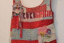 vêtements avec patchwork, appliqués, broderies...