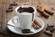 Kaffee und heiße Schokolade