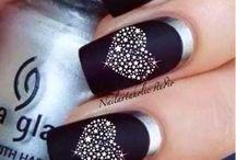 Cool nail thingys