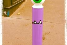 street art sur matériel urbain / sur panneau, bouches d'égout, boites de raccordement, / by Garance