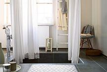 Wohlfühloase Badezimmer / Ein Platz zum entspannen und um alle Sorgen zu vergessen. Und ein perfekter Ort für einen beruhigenden Teppich, um die Sinne zu stimulieren.