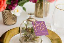 Masa Dekorasyonu Fikirleri / Düğünler, davetler, yemekler vesaire aklınıza ne geliyorsa işte bunlar gibi özel günler için bir birinden farklı masa dekorasyonu fikirlerini, çeşitli kaynaklardan toparladık ve sizlerin beğenisine, işinize yarayacağını ümit ederek sunuyoruz.