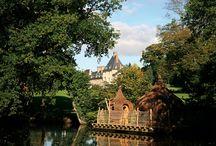 Le domaine / Le Domaine des Ormes s'étale sur 250 hectares de nature. Hébergements, piscines, activités...