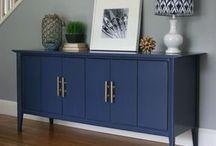 mueble pintado de azul