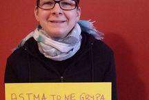 Astma to nie grypa. Nie zarażam. Podaj mi rękę i uśmiechnij się. / Kampania społeczna dotycząca tego, że astma nie jest chorobą zaraźliwą.
