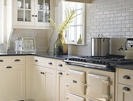 Kitchens I love / All my favorite kitchens and house ideas for when I get the chance to build someday!