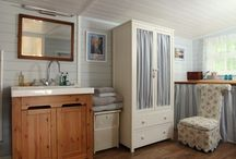Beautiful Bathrooms & Accoutrements / by Brycea Othamar