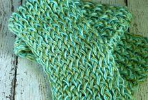 loom knitting / by David-Laura Brown
