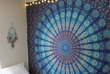 Tapestry wall
