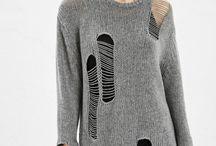свитер с дырками