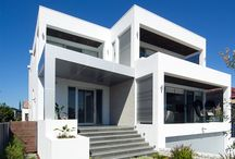 Coastal homes / Houses and outdoor spaces designed to capture the essence of coastal living.