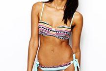 Bikinis / Swimwear
