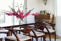 Stôl a stoličky