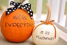 """""""We're Expecting!"""" Pregnancy Announcement Ideas / A collection of adorable pregnancy announcements!"""