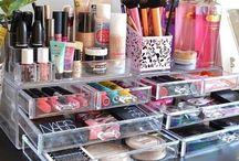 Formas de organizar el  maquillaje y accesorios