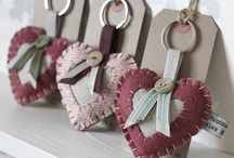 Key rings/brooches