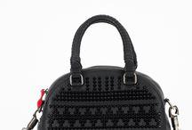Christian Louboutin / Benvenuti...in questo spazio potrete trovare tutte le nostre migliori borse CHRISTIAN LOUBOUTIN acquistabili direttamente on-line sul sito www.abzan.com a prezzi scontati fino al 70%!