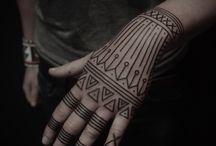 Body Paint, Piercing~n~ Tatts / by Ana Acevedo Pacheco