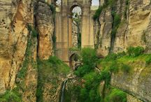 Ronda / Travel Guide