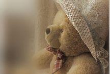 Teddy bears:* <3