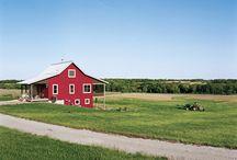 Exterior colour of barn
