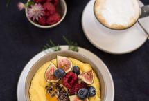 Gesunde Frühstücksrezepte - gesunde Ideen fürs Frühstück / Gesunde Frühstücksrezepte für einen besonders guten Start in den Tag. Rezepte fürs Frühstück wie Porridge, Bowls, Smoothies, etc. Hier gibt's für jeden das passende Rezept für ein gesundes Frühstück.
