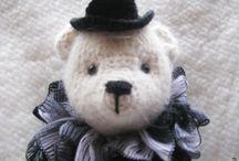 My crochet brooches