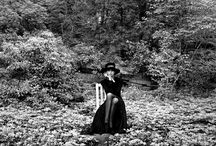 Rodney Smith / Rodney Smith (born December 24, 1947) is a New York based fashion and portrait photographer. Smith primarily photographed with a 35mm Leica M4 before he transitioned to a 120mm (medium format) Hasselblad with a 80mm lens. He prefers natural light to illuminate his subjects, but occasionally will use continuous lighting. Smith shot predominantly in black and white, until 2002, when he first began to experiment with color film.
