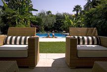 Pool and Garden / Hotel 4 Stagioni vanta un suggestivo parco, ricco di piante mediterranee e fiori, nel quale potrete immergervi godendo di una tranquillità totale. Un tuffo in piscina non può mancare. http://www.hotel4stagioni.it/hotel-3-stelle-centro-benessere-bardolino-i.htm