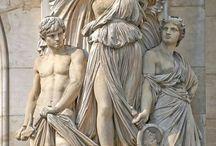 Statuen & Skulpturen